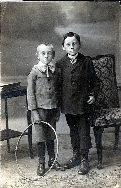 Kinder damals - Familie war stabiler Bestandteil der Kindheit