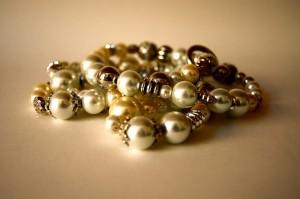 jewellery-96239_640